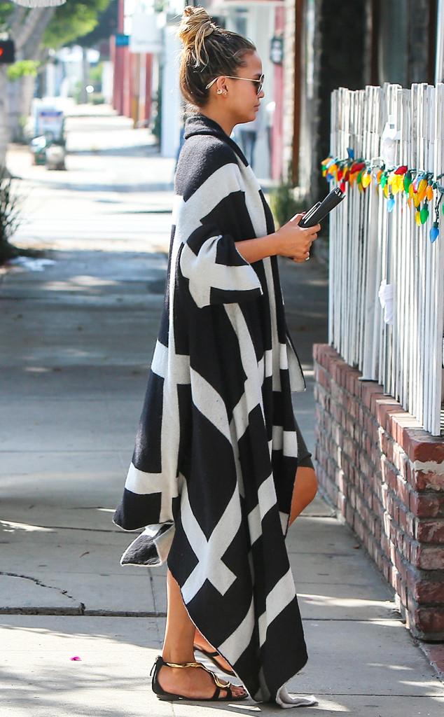 Pregnancy Style Chrissy Teigen Winning Fashion